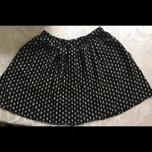 Woman's  XS Lucky skirt black flowers